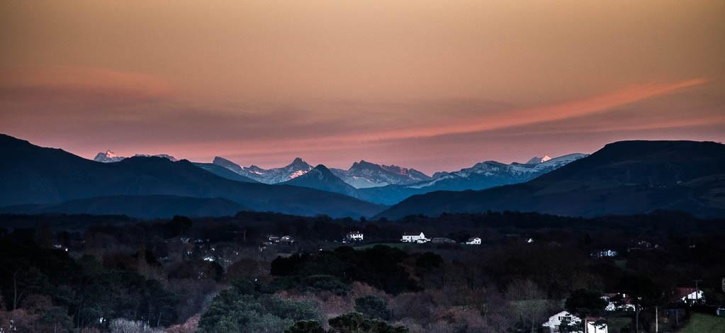 coucher de soleil montagne pays basque