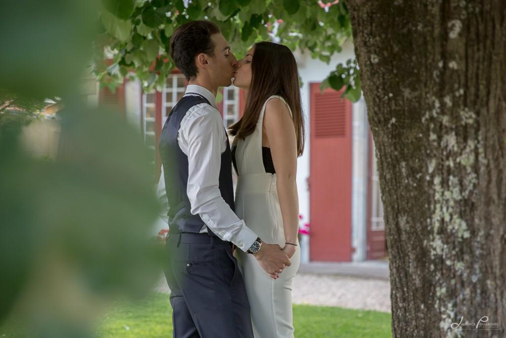 seance-engagement-couple-photographe-mariage-maison-emak-bakea-bidart