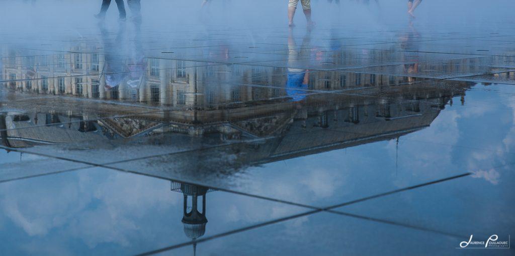 Le miroir d 39 eau de bordeaux laurence poullaouec for Miroir d eau bordeaux