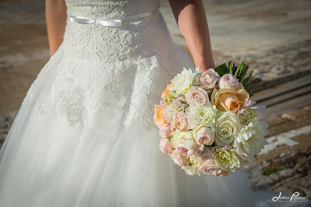 bouquet-mariee-guetary-laurence-poullaouec-photographe