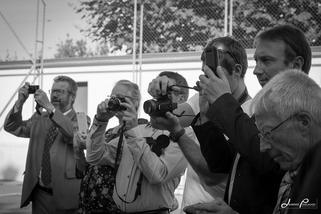 photo invites smartphone
