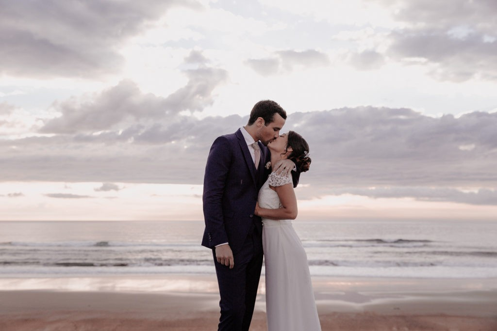 photo couple mariage à l'ocean anglet