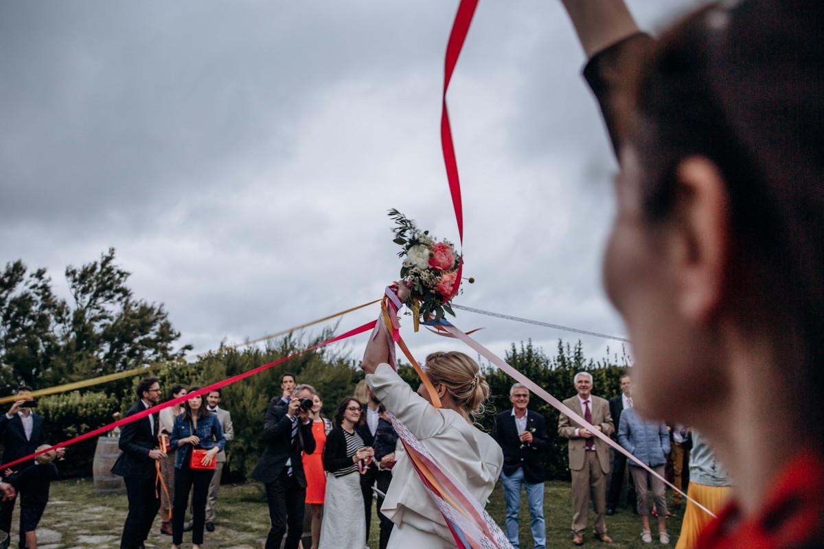 lancer bouquet de mariée
