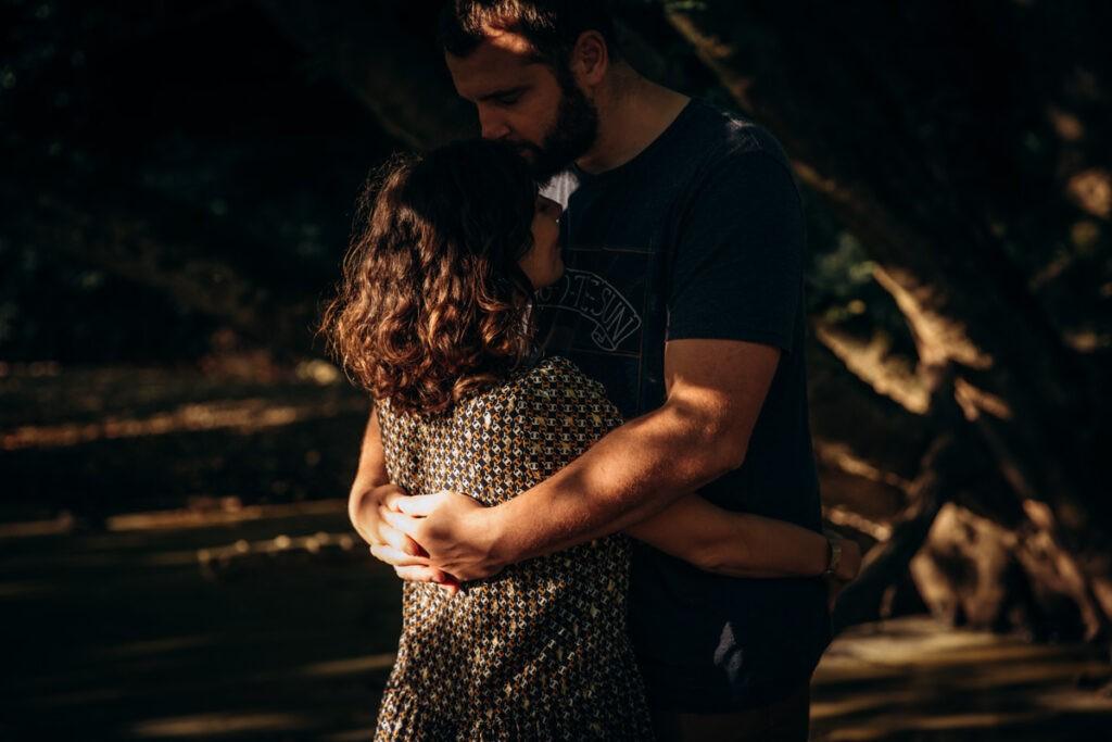 seance couple dans la nature