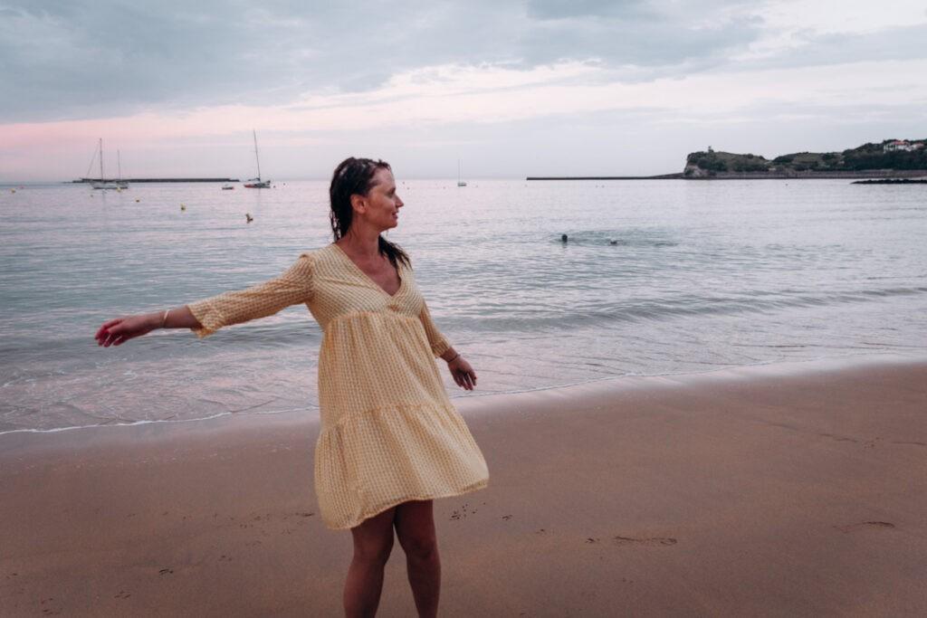seance photo grossesse à la plage